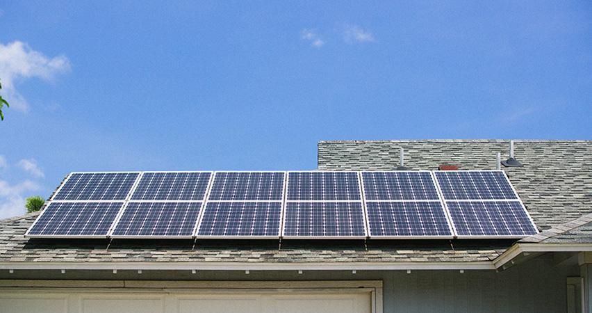 太陽光を停電時も安定供給、「蓄電+水素」で