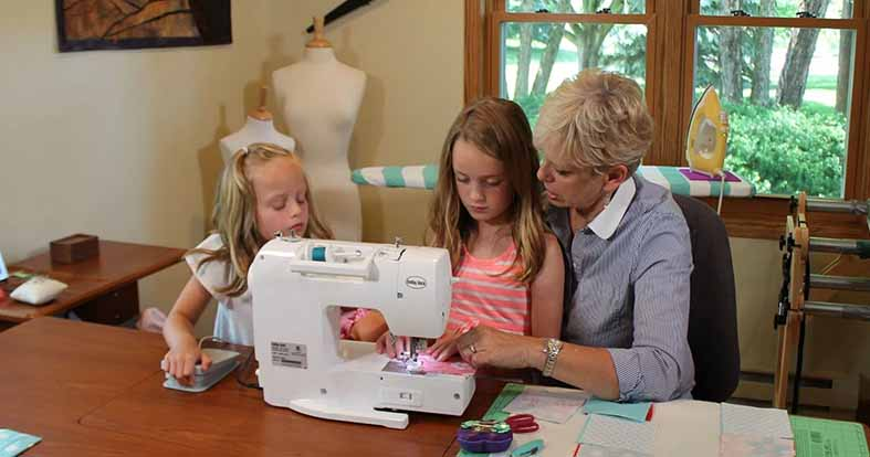 this-genius-sewing-kit-teaches-kids-about-electronics