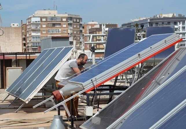 El-nuevo-escollo-a-la-generación-de-energía-solar-en-las-casas-los-ayuntamientos-2704.jpg