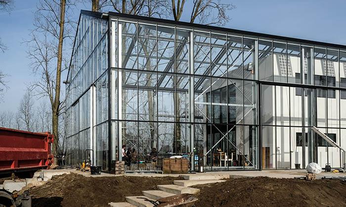 Belgique: Une maison-serre pour vivre en autonomie et ne plus payer ...