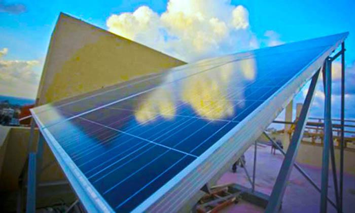 تسلا-تخفض-أسعار-الألواح-الشمسية-بنسبة
