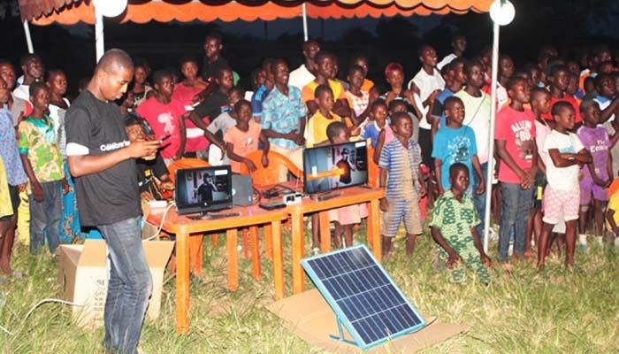acces-des-zones-rurales-a-lelectricite-des-kits-solaires-pour-sortir-les-populations-de-lobscurite