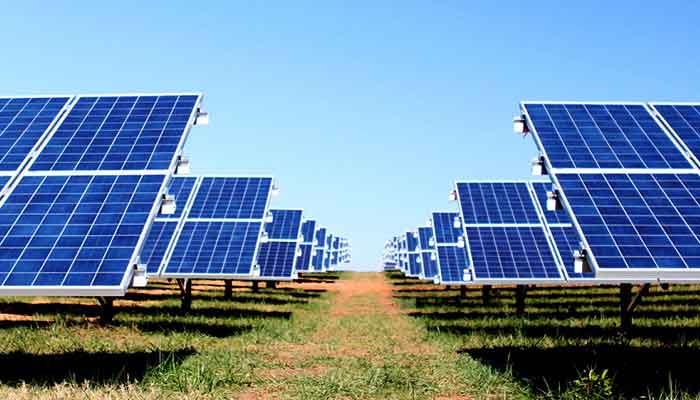 الطاقة-الشمسية-تضئ-مدينة-السلام-محطة