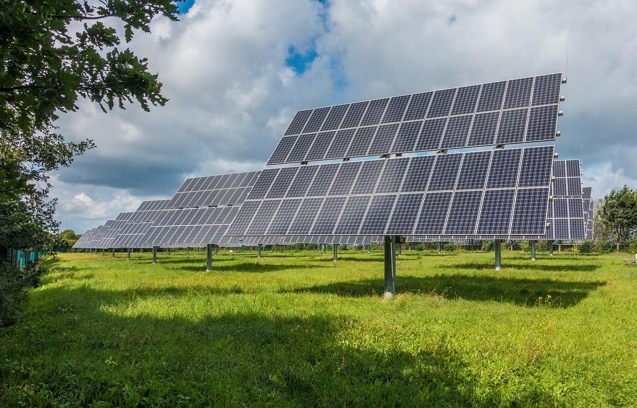 soviel-flache-brauchte-man-fur-die-komplettversorgung-durch-sonnenenergie