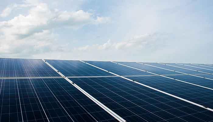 saudi-arabien-plant-weltgroste-solaranlage