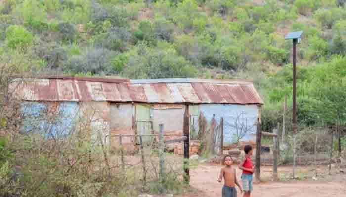 afrique-azuri-technologies-leve-26-m-pour-distribuer-des-kits-solaires-a-domicile