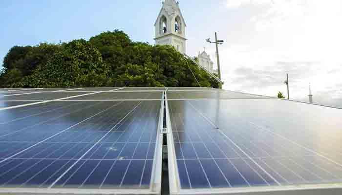 Confira o passo a passo para instalar um painel de energia solar em casa