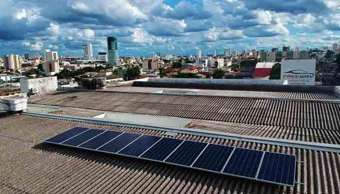 energia-solar-gera-economia-e-ajuda-o-planeta