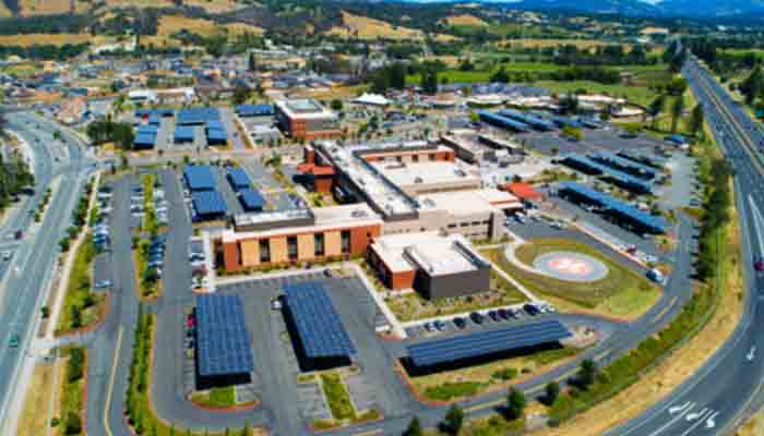 ameresco-installs-1-6-mw-solar-project-for-sutter-santa-rosa-regional-hospital