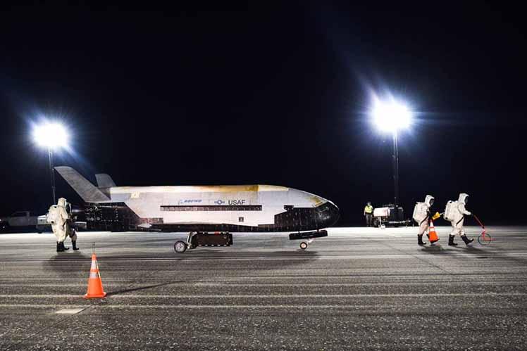 米空軍の無人宇宙機が挑む「宇宙太陽光発電」の実験、その野心的なプロジェクトが秘めた途方もない可能性